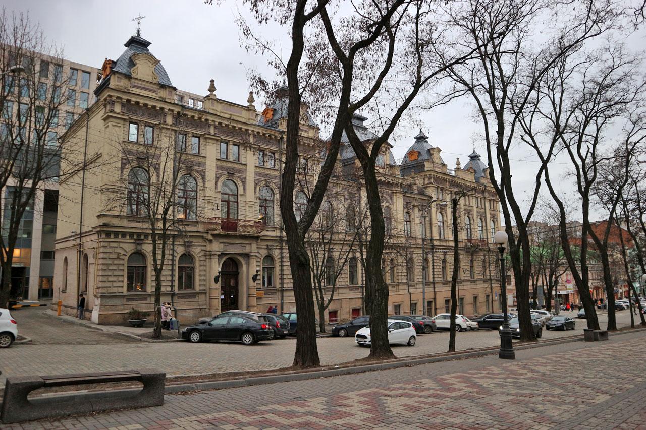 Колледж культуры и искусств Художники Днепра боятся превратиться в «бомжей»