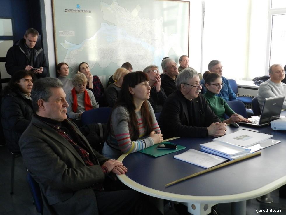 Новости градсовета Днепра: строить новое, не забывая о старом