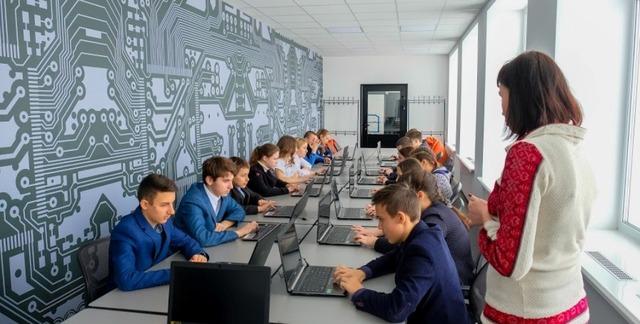 В школах робототехники - современный дизайн