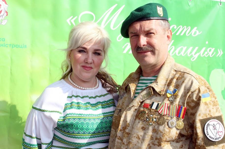 Шестой танцевальный сезон балов для АТОшников и волонтеров открыли в Павлограде