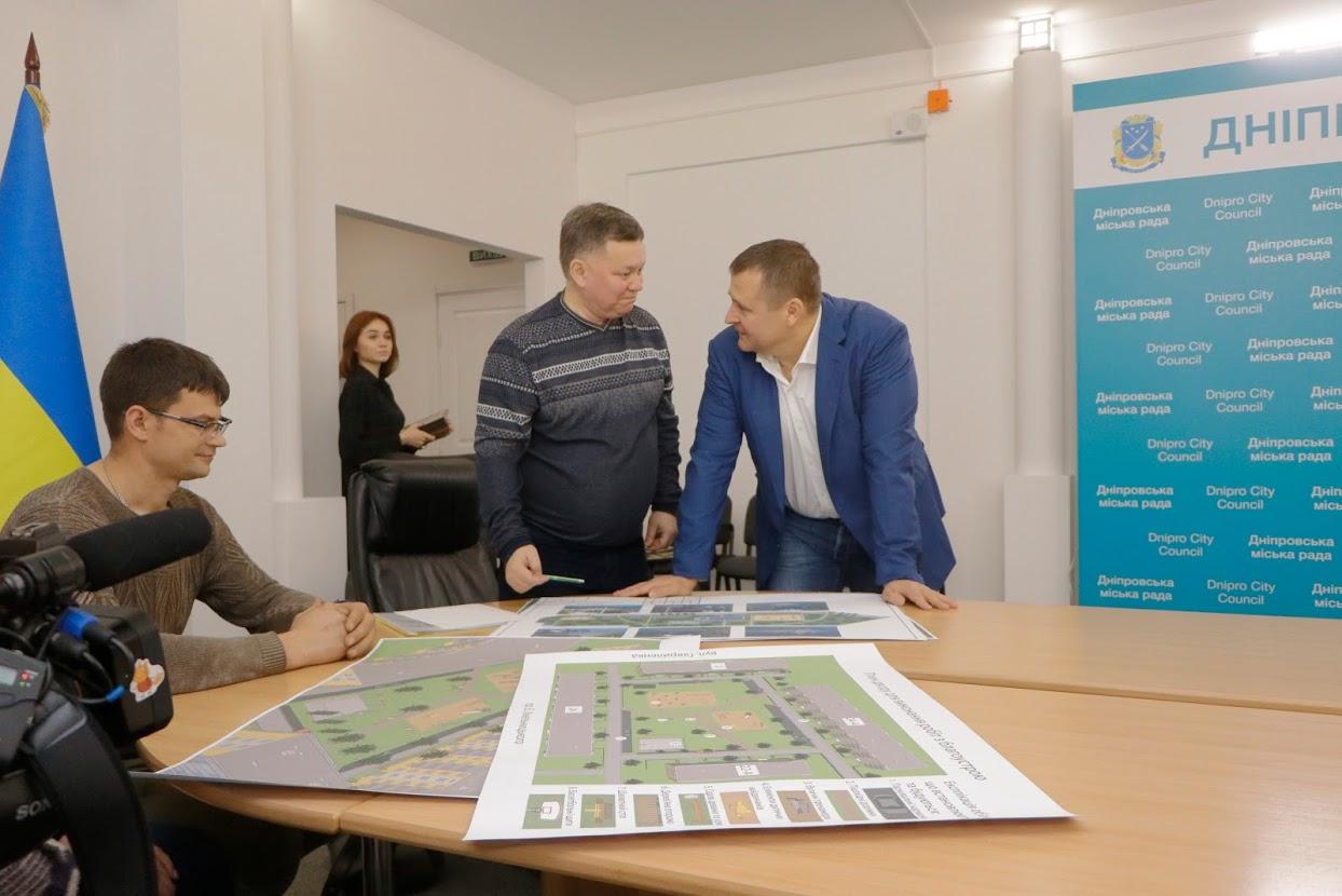 Борис Филатов вручил первым победителям городской акции «Днепр - пространство чистоты» сертификаты на 8 миллионов гривен