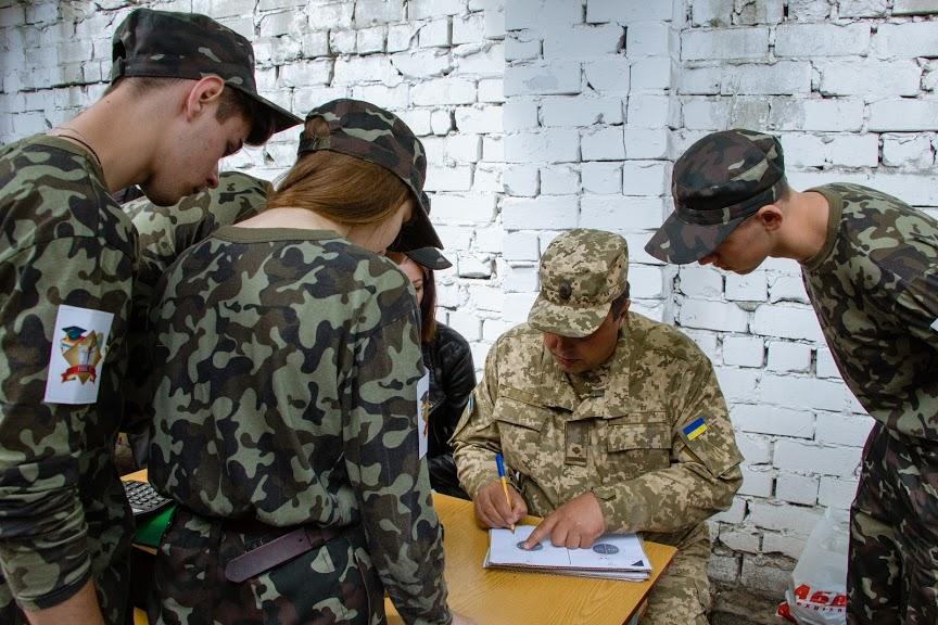 В городской военно-патриотической спортивной игре «Прорыв» в Днепре победила команда школы №57