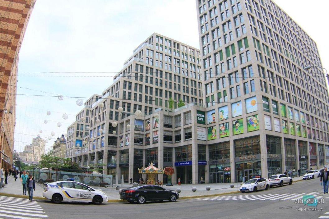 В Днепре заминировали торгово-развлекательные центры и офисные здания