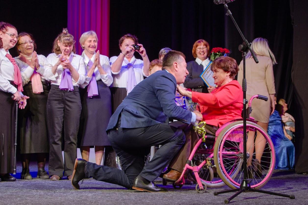В Днепре состоялся фестиваль творчества людей с инвалидностью «Шаг к творчеству - шаг к жизни»