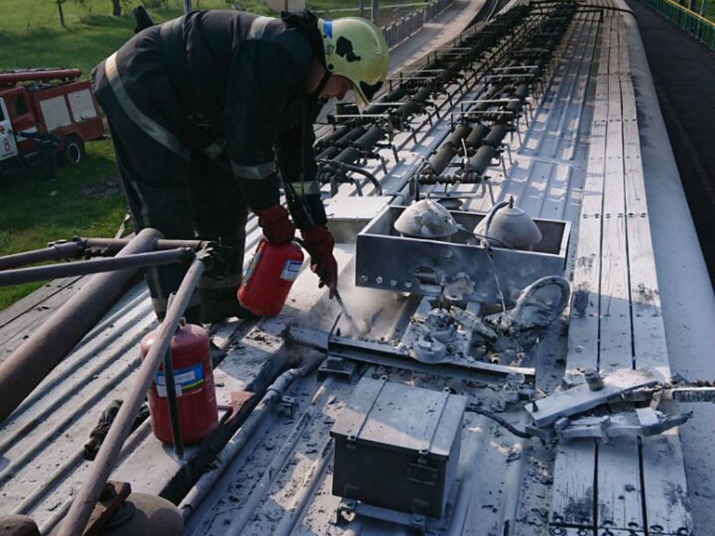 В Каменском ликвидировали пожар в вагоне пригородного электропоезда