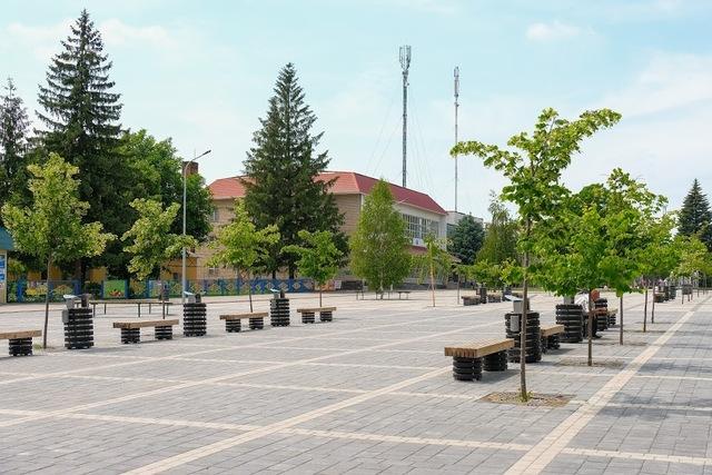 Обновленная площадь в Криничках
