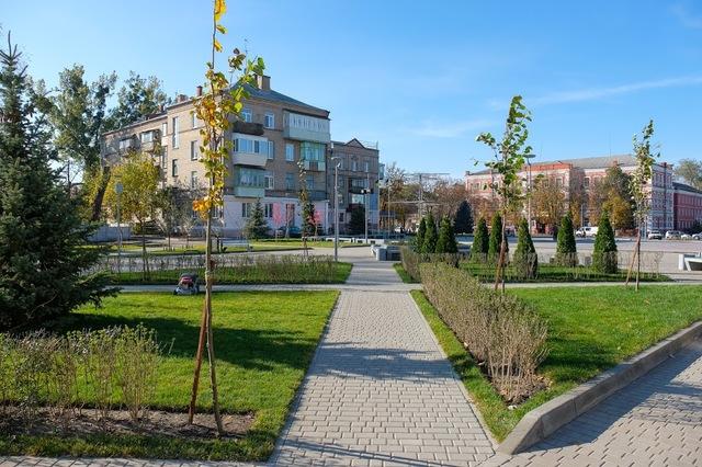 Реконструированная площадь Героев в Новомосковске