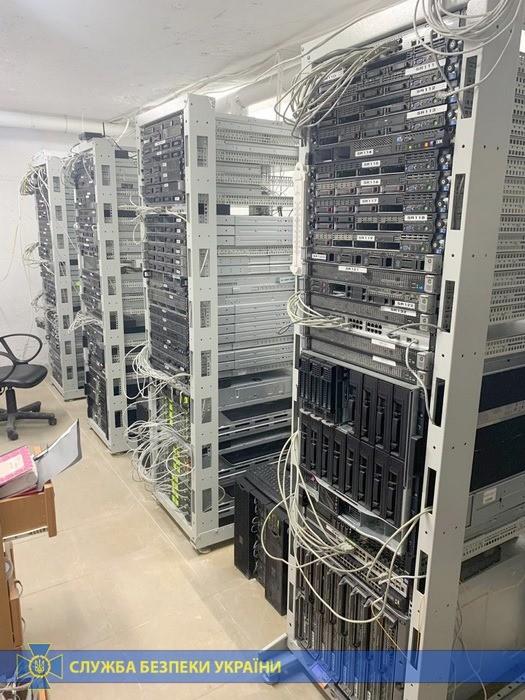 Изъятое у хакеров оборудование