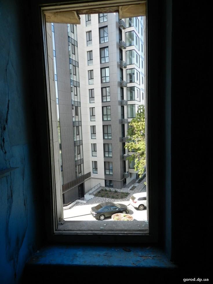 Рядом с Салютом построили две новые жилые высотки Печальный закат сиявшего «Салюта»