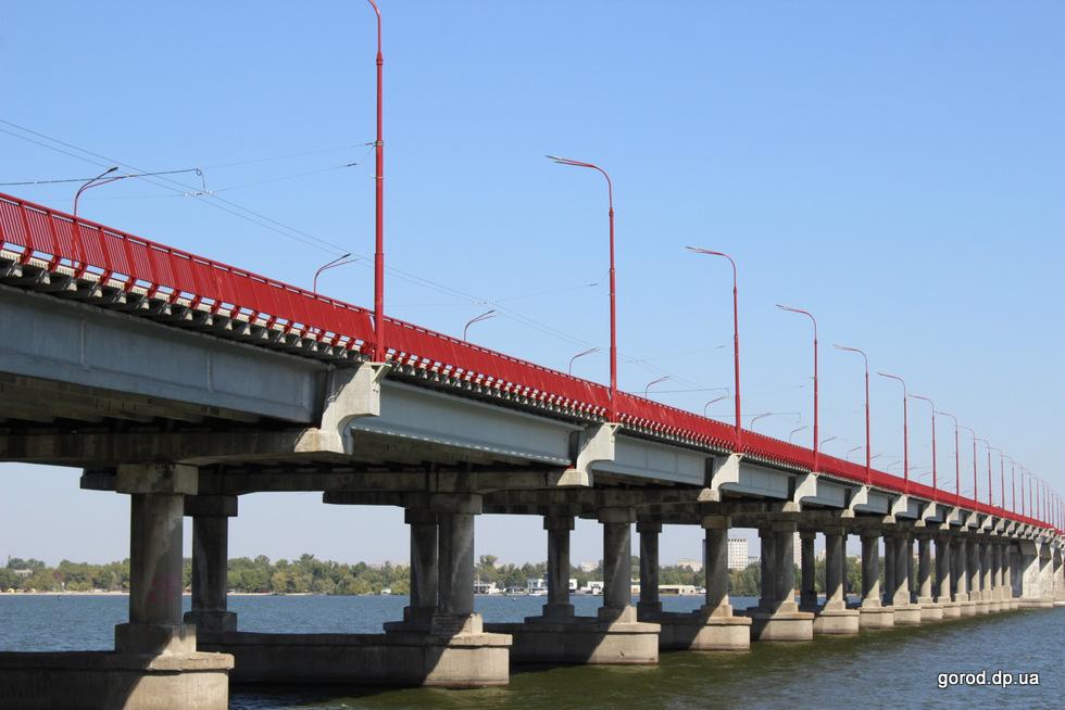 К мосту пристроят лестницы и украсят подсветкой