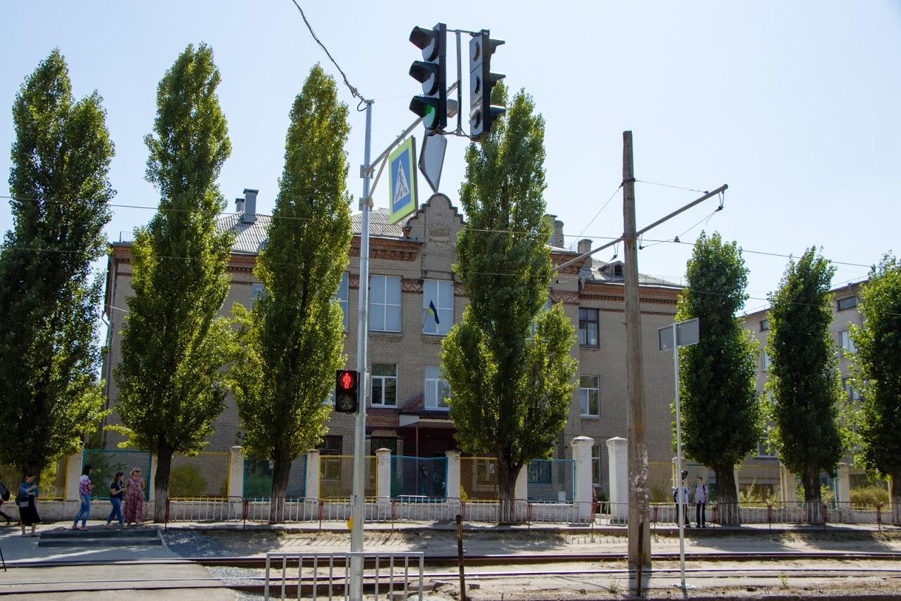 На улице Молодогвардейской в Днепре установили новые светофоры