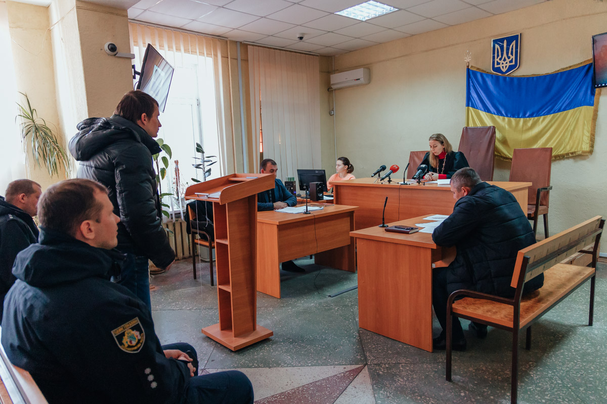 В Днепре парня, который избивал девушек на Калиновой, отпустили домой