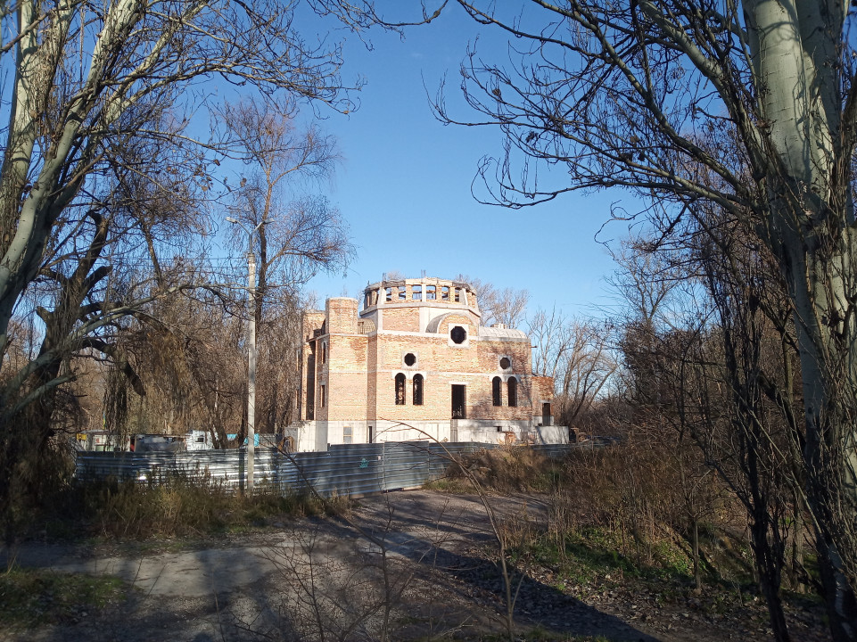 Уже есть фасад: как сейчас выглядит новый храм на Набережной Победы