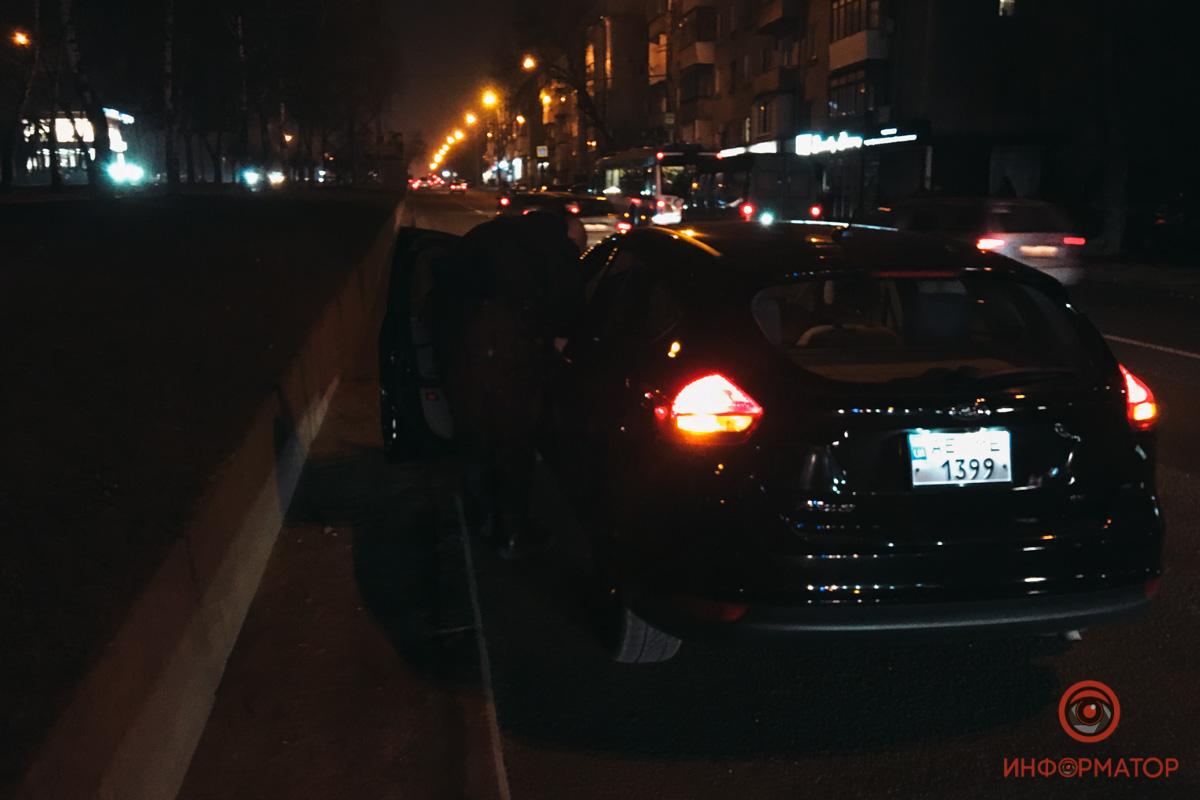 В Днепре на проспекте Поля Ford сбил женщину на пешеходном переходе