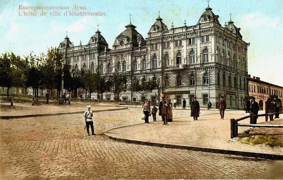 Городская Дума, построенная при А.Я. Толстикове. Александр Толстиков: легендарный «мэр» нашего города начинал с приказчиков