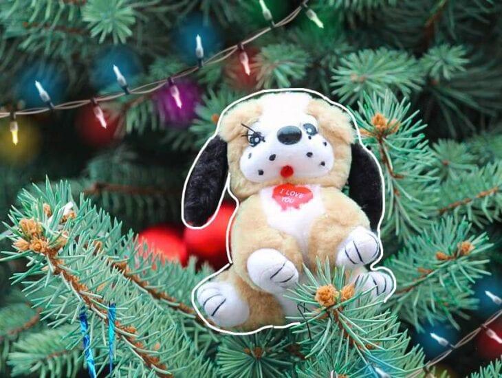 Не пожалели лучших игрушек: в Днепре на Райончике по-домашнему украсили елку