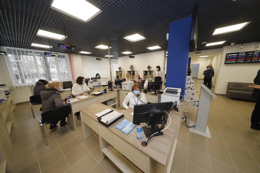 «Комфорт и быстрое обслуживание»: днепрянам нравится отремонтированное Левобережное управления социальной защиты