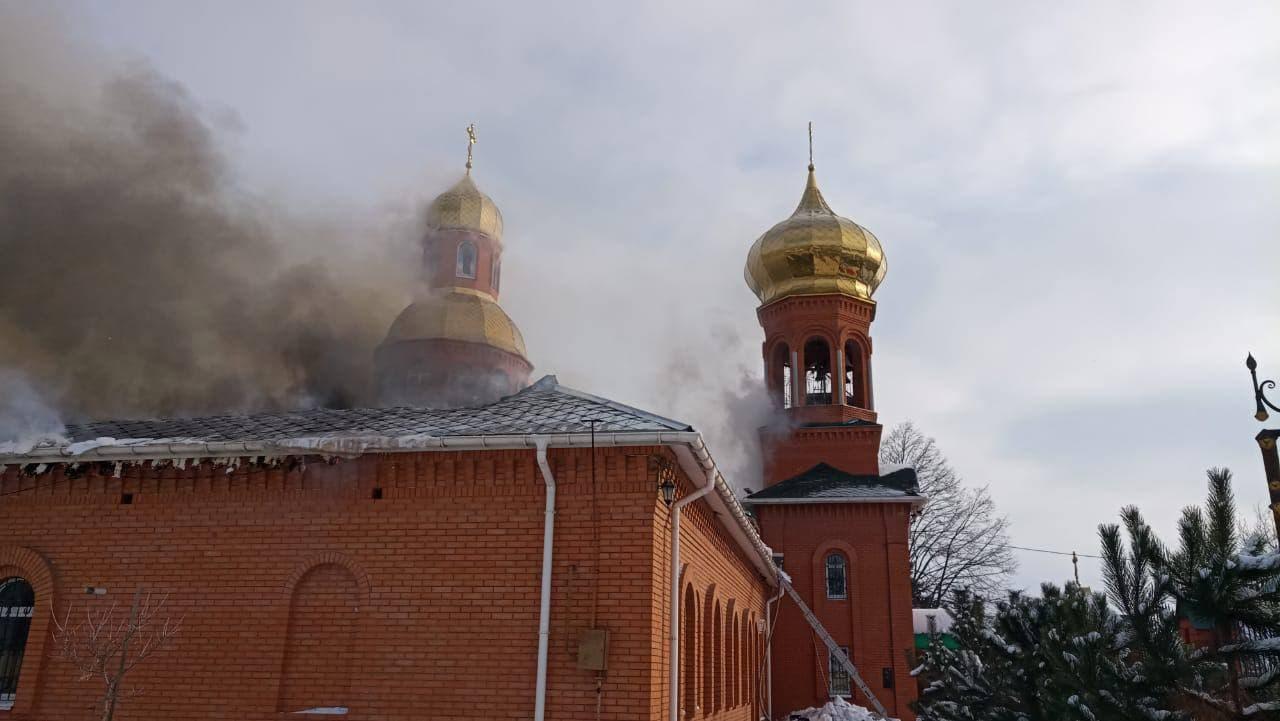 Под Днепром горит Храм Феодосия Черниговского