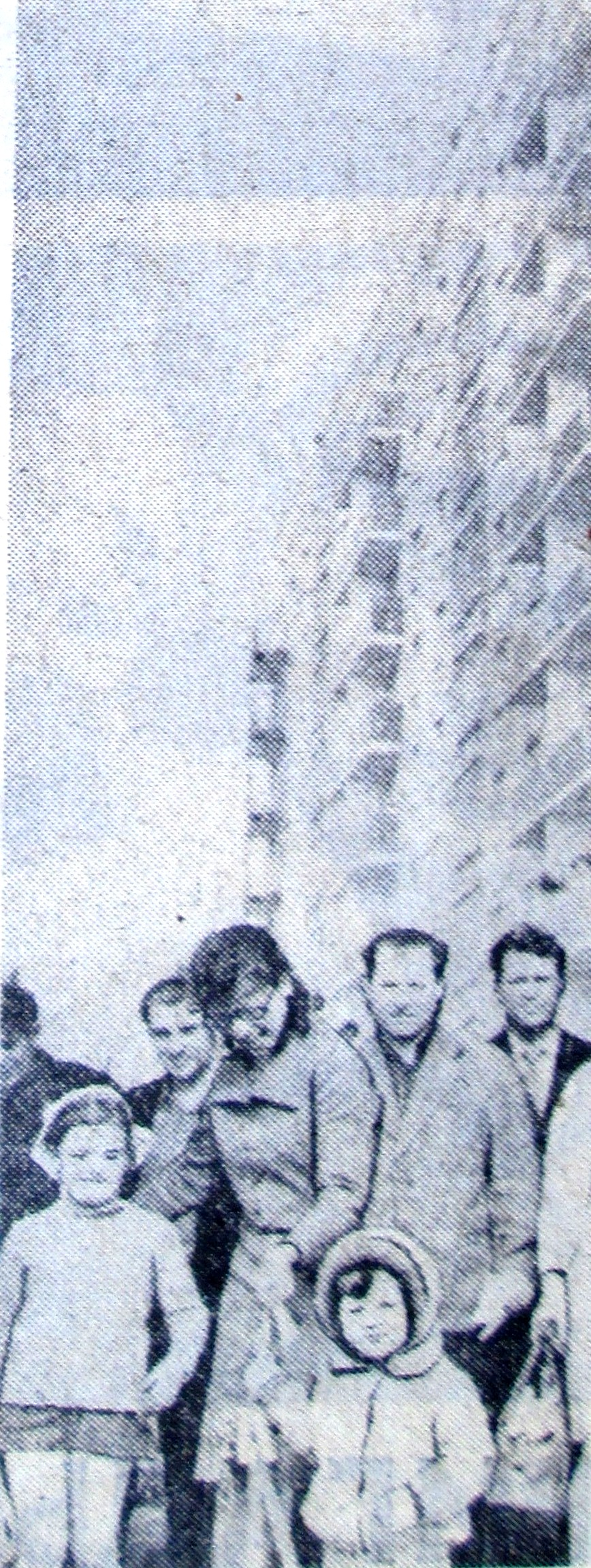 Новоселы жилого дома станкостроительного завода. Апрель 1976 года Жилмассиву Красный Камень в Днепре – 50 лет!