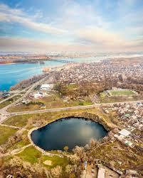 Озеро с высоты птичьего полета Жилмассиву Красный Камень в Днепре – 50 лет!
