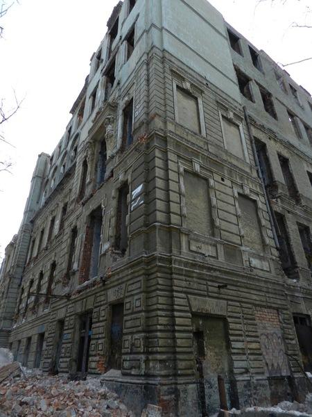 Таким был Дом с атлантами. Что в Днепре планируют построить на месте «Дома с атлантами»?
