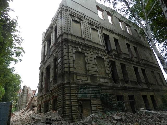 Четыре года назад здание снесли до основания. Что в Днепре планируют построить на месте «Дома с атлантами»?