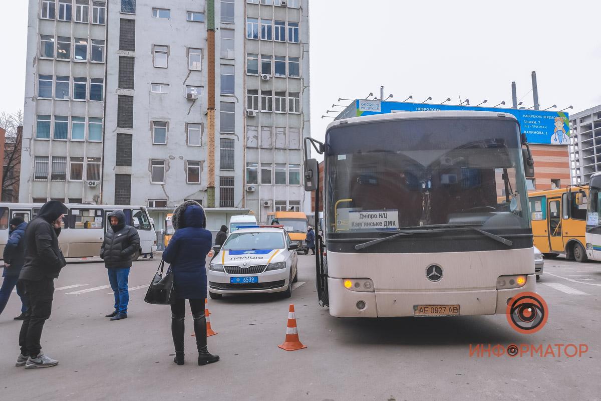 В Днепре возле «Нового центра» автобус сбил женщину