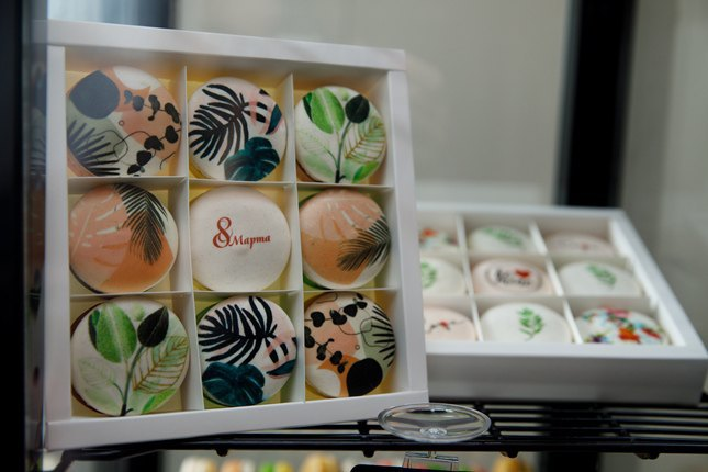 В Днепре открылась кондитерская по производству десертов macarons с уникальными принтами