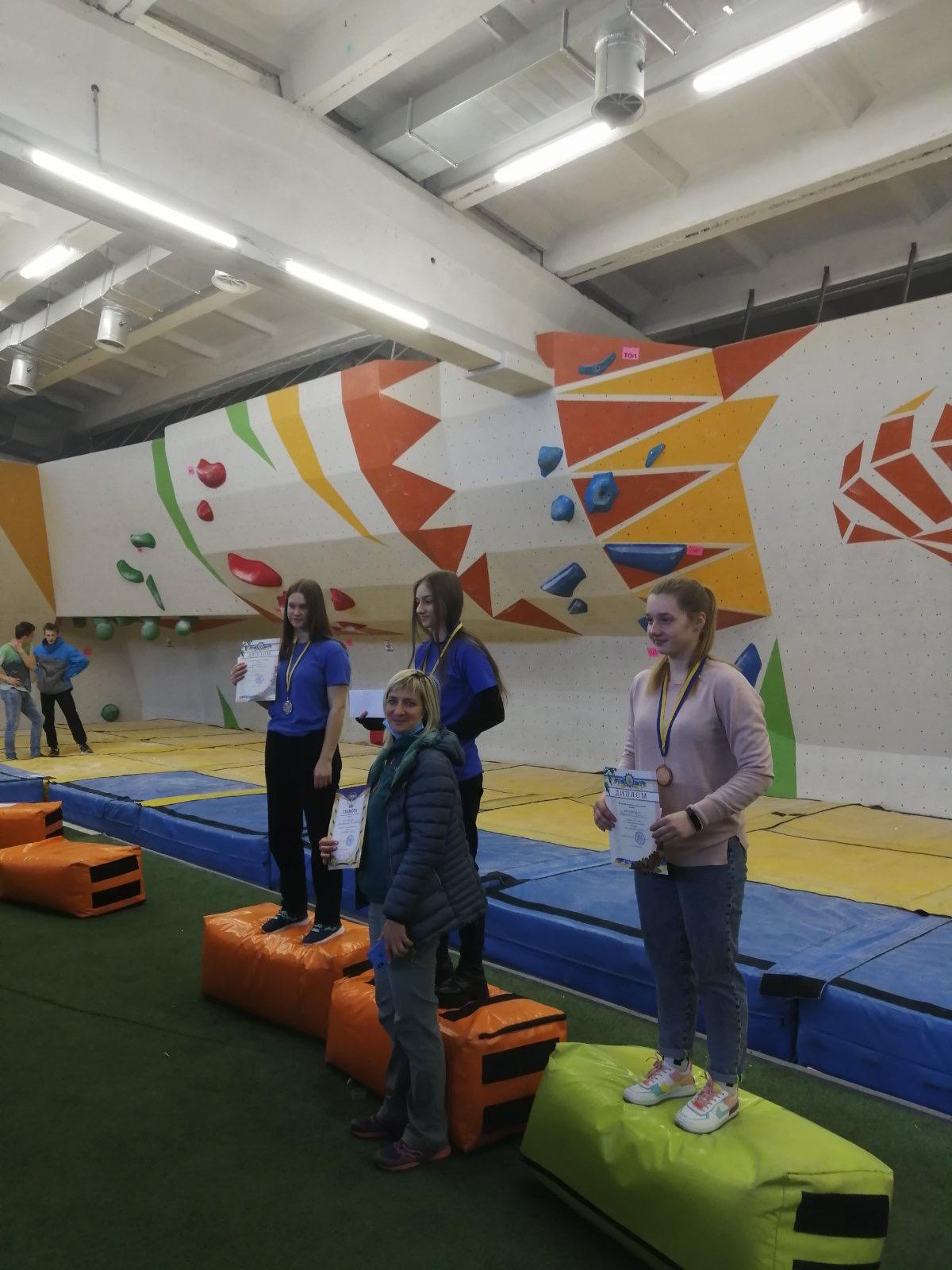 Днепровские спортсмены завоевали 5 медалей на чемпионате Украины по скалолазанию