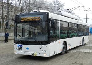 Два новых троллейбуса «Южмаша» вышли на маршруты Днепра
