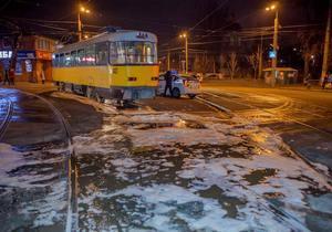 В Днепре загорелся трамвай №11 с пассажирами