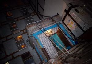 В Днепре на Тополе-3 горела квартира: мужчину увезли в больницу
