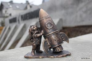 В Днепре открыли восьмую мини-скульптуру с котиком