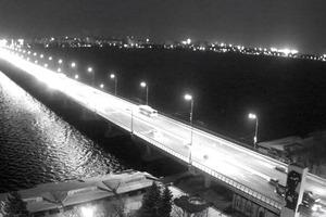 В Днепре на Центральном мосту пропало электричество