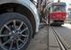 На Грушевского «мастер парковки» остановил движение трамваев