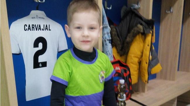 Спасти жизнь 6-летнему Денису Сигатову с редким заболеванием крови может только курс лечения новым препаратом!