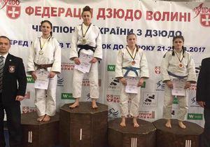 На юниорском Чемпионате Украины по дзюдо у днепрян 11 медалей