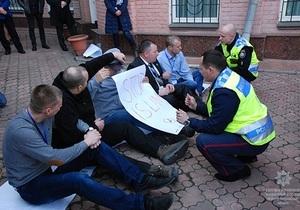 Накануне Евровидения европейские коллеги обучали днепровских полицейских мирно решать протесты