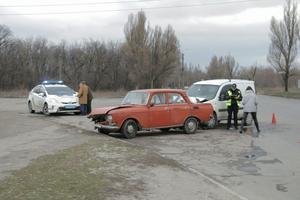 В Днепре на проспекте Богдана Хмельницкого столкнулись Fiat и Москвич
