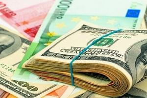 Доллар стремительно дешевеет: когда покупать валюту