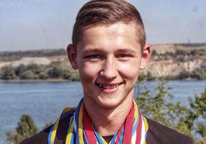 Студент з Дніпропетровська виборов 2 золоті медалі на Чемпіонаті України з кікбоксингу