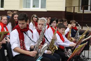 Когда и на сколько подорожает обучение в музыкальных школах Днепра?