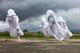 В центре Днепра сегодня вечером будут гулять четырехметровые «призраки»