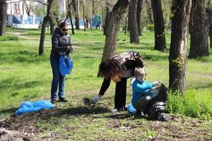 ДТЭК Приднепровская ТЭС и мэрия Днепра провели самый массовый субботник