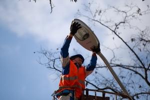 На участке ж/м Приднепровск с нуля установили сети наружного освещения