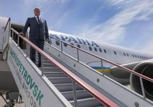 Порошенко во время визита в Днепр пообещал городу новый аэропорт и роль воздушного хаба