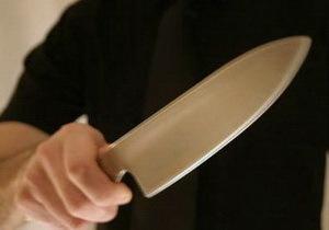 Вонзил нож в сердце: владелец овощного киоска разобрался с вором
