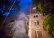 В Днепре на улице Бердянской неизвестные подожгли интернет-центр