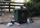 Жители Днепра складируют мусор поверх новых контейнеров с крышками