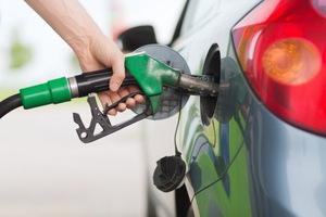 В бензине на днепровских заправках нашли опасные присадки